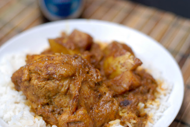 Chicken curry on rice