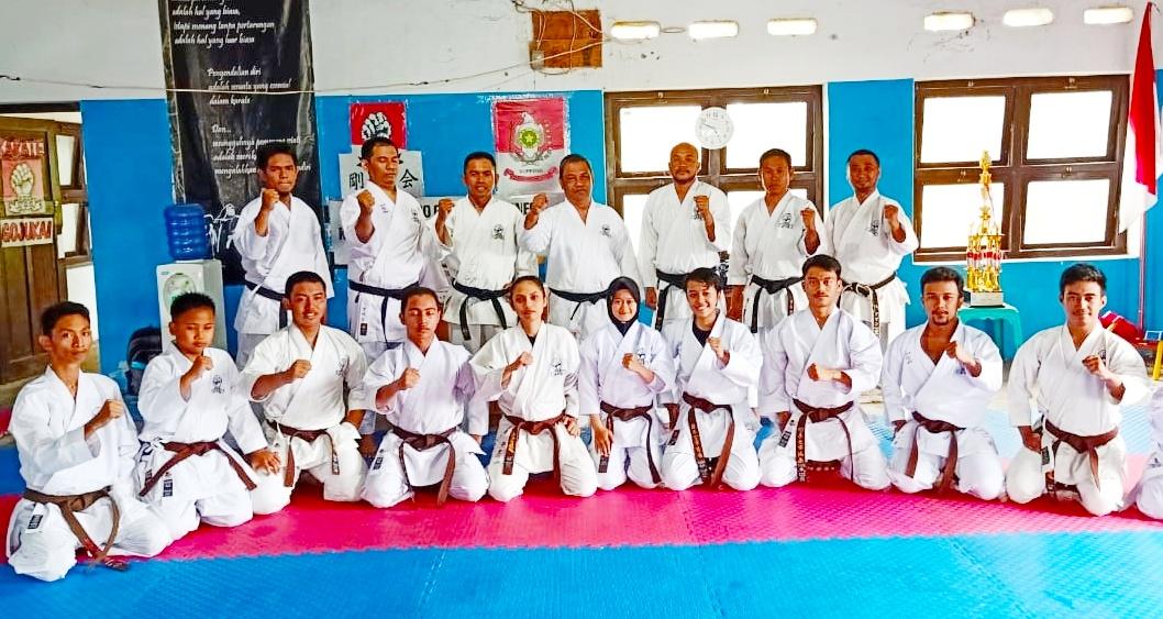 Karate-do Gojukai Soppeng Berhasil Cetak 25 Karateka Sabuk Hitam Baru