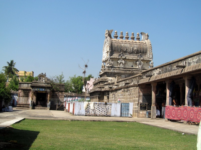 Sri Pandava Dhootha Perumal Temple (Thiru Paadagam) Kanchipuram - Divya Desam 55