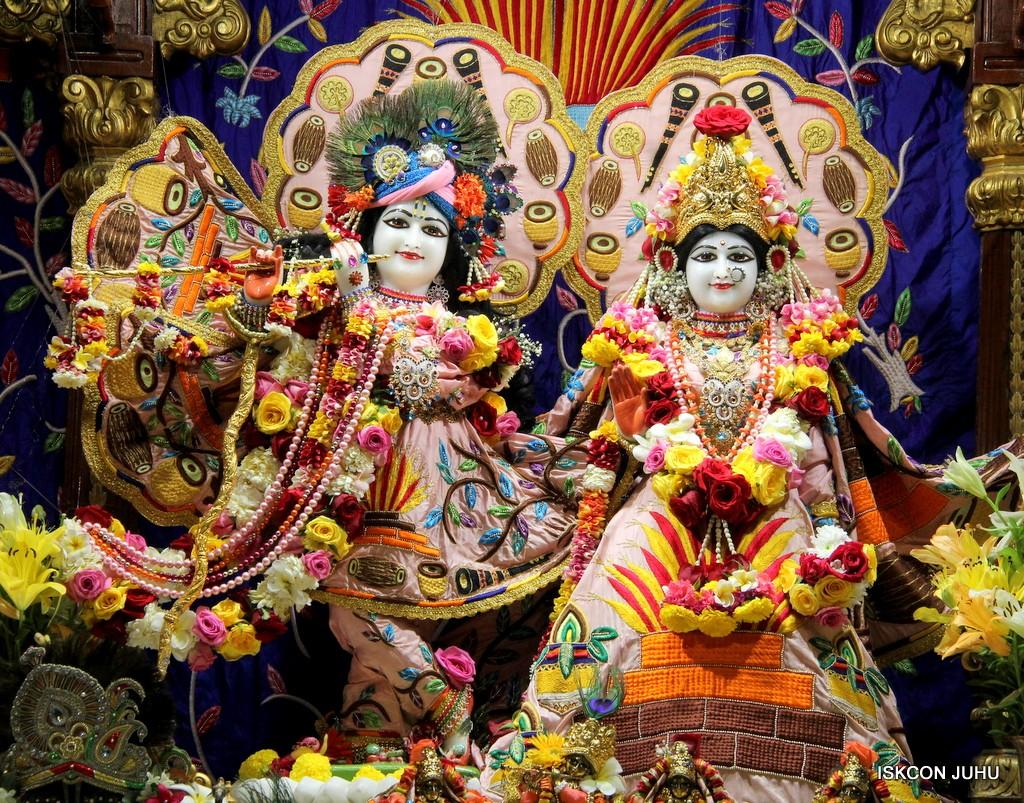 ISKCON Juhu Sringar Deity Darshan 10 Jan 2017 (36)