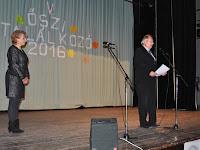 01 Török Alfréd, a Csemadok Lévai Területi Választmányának elnöke köszönti a közönséget.jpg