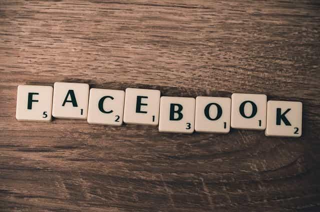 Facebook scrabble tiles