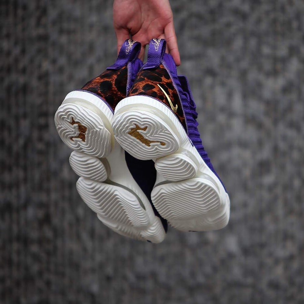 1faf90cf2753 ... A Detailed Look at Nike LeBron 16 King Court Purple