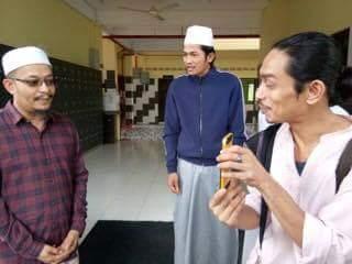 Iqram dan johan melawat al barakah ustaz kazim elias