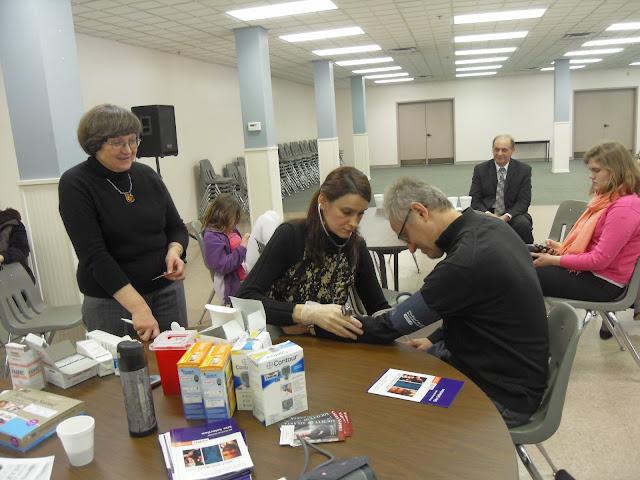 Spotkanie medyczne z Dr. Elizabeth Mikrut przy kawie i pączkach. Zdjęcia B. Kołodyński - SDC13571.JPG