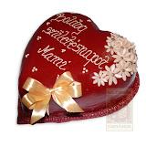 41. kép: Ünnepi torták - Szívalakú születésnapi szalagos virágos torta