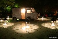 Parc de Belleville : CLAUDE LÉVÊQUE MON REPOS AUX TUILERIES, 2007 / INSTALLATION Dans le bassin du parc de Belleville, une oeuvre du Fonds Municipal d'Art Contemporain de la Ville de Paris, Mon repos aux Tuileries (2007) prend place...