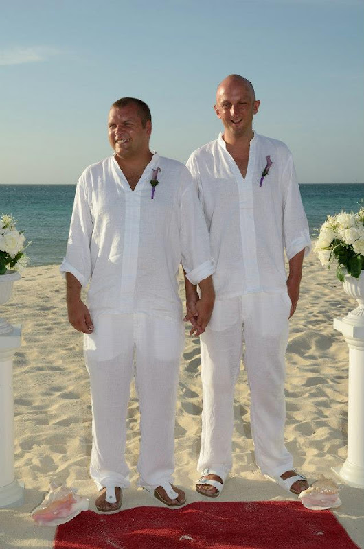 Gay Wedding Gallery - 199757_4076450183249_1009731402_n.jpg