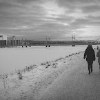 20121214-01-munksjön-path-people.jpg