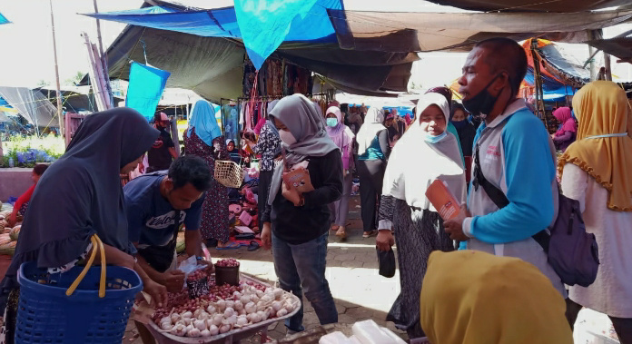 Edukasi Pemilih, KPU Soppeng Gencarkan Sosialisasi Di Pasar  Tradisional
