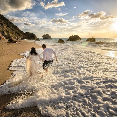 Wedding photographer Ionut Diaconescu (fotodia). Photo of 15.06.2017
