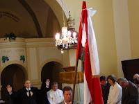 34 Abaházi Zsolt ref. lelkész megáldja a gyülekezetet, majd a Himnuszt énekelték.JPG