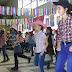 Nagy készülődés előzte meg a Gróf Széchenyi István Általános Iskola alsós farsangját, ahol aztán hatalmas sikert aratott a gyerekek linedance bemutatója, amit Era tanított meg a lelkes gyerekeknek. A WB-bemutató után pedig közösen táncolták el kicsik és nagyok a tanult táncokat. Fergeteges farsang volt!
