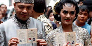 Foto-foto Pernikahan Krisdayanti-Raul