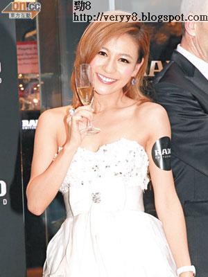 在深圳開工的江若琳,表示回港後與台前幕後飲番杯。