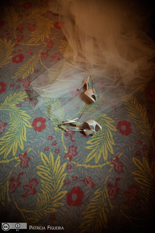 Foto de casamento 0190 de Renata e Cristiano. Marcações: 28/08/2010, Casamento Renata e Cristiano, Jorge Alex, Rio de Janeiro, Sapato.
