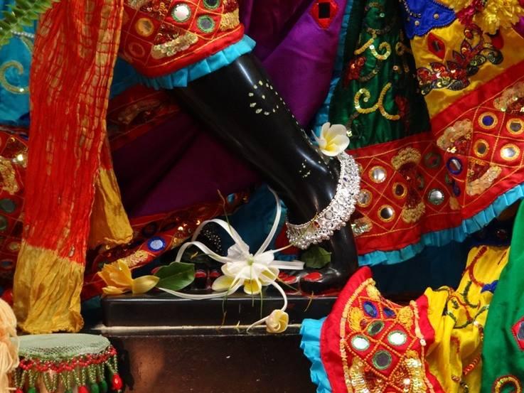 ISKCON Nigdi Deity Darshan 06 Jan 2016 (17)