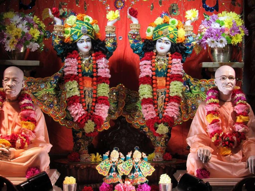 ISKCON Chicago Deity Darshan 14 Dec 2015 (1)