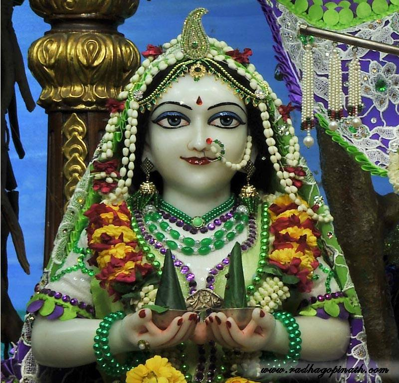 ISKCON Chowpatty Deity Darshan 08 April 2016 (17)