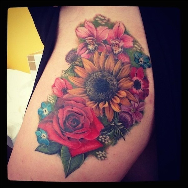 flores_da_tatuagem_para_uma_capa