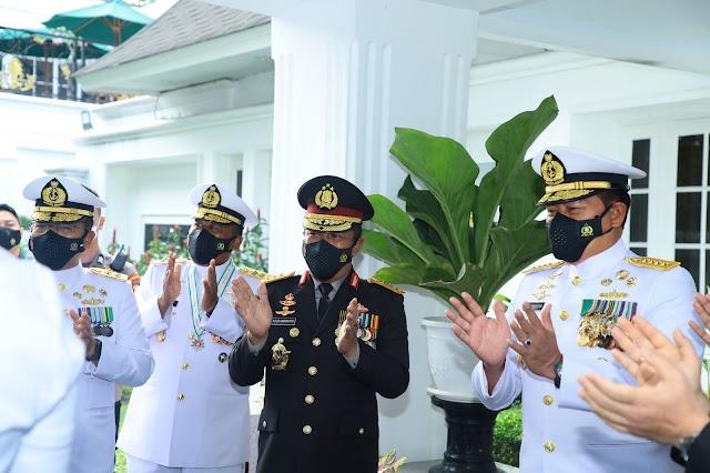 HUT TNI ke 76, Komjen Agus Andrianto: Semoga TNI Terus Adiptif dengan Perubahan Zaman