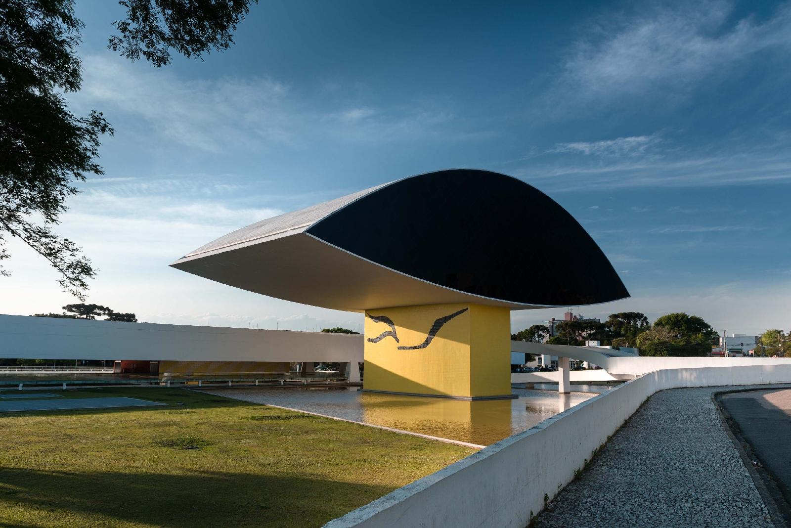Museu Oscar Niemeyer reabre ao público com atrações inéditas