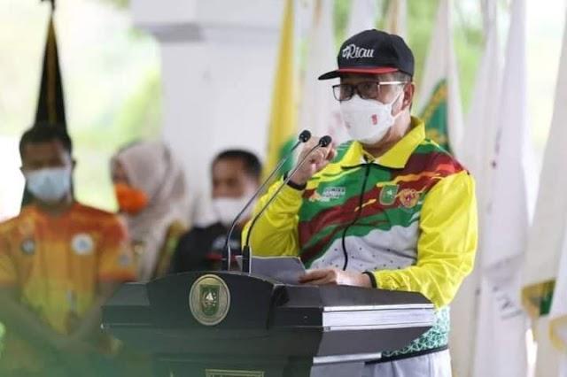 Gubri H.Syamsuar Secara Resmi Lepas Keberangkatan Kontingen Provinsi Riau PON XX Papua