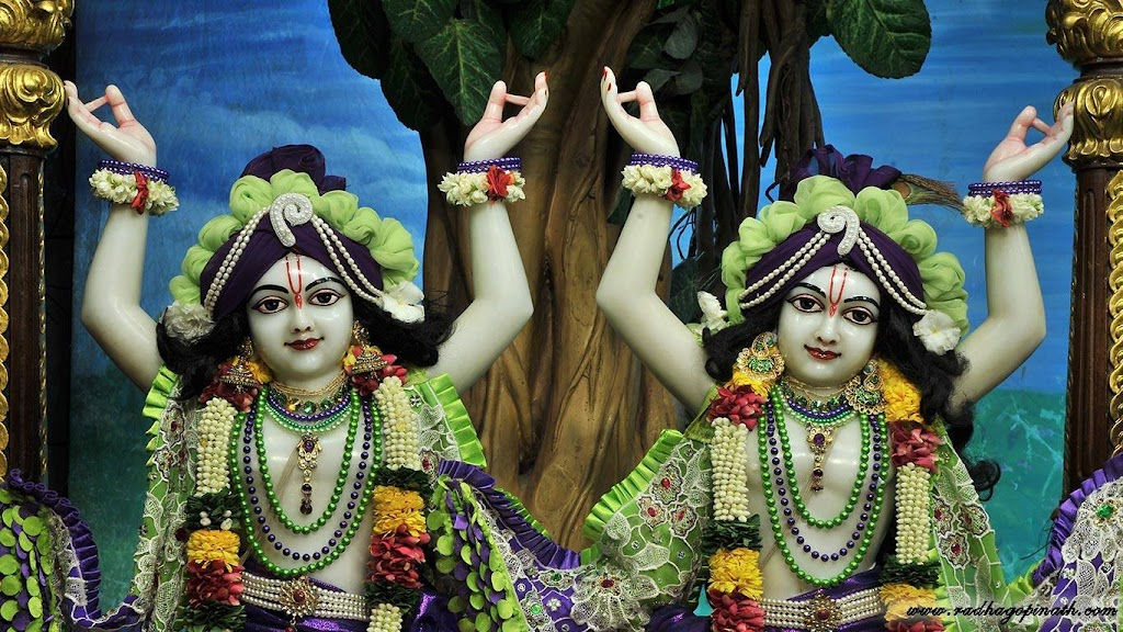 0 ISKCON Chowpatty Deity Darshan 08 April 2016 (3)