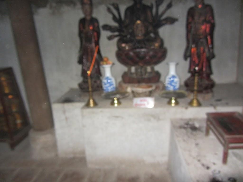 0024Ngo_Quyen_Temple