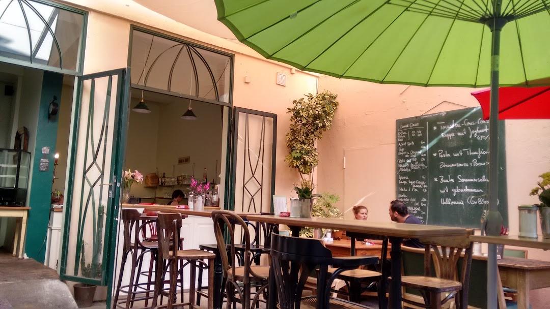 Cafe Bistro A Midi Bistro In Dusseldorf