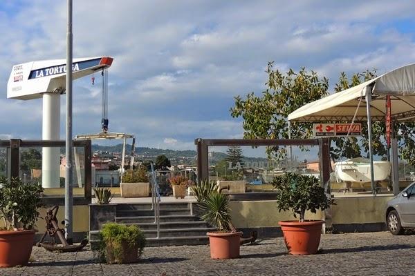 Catania,Ognina, Tortuga, basamento e tensostruttura