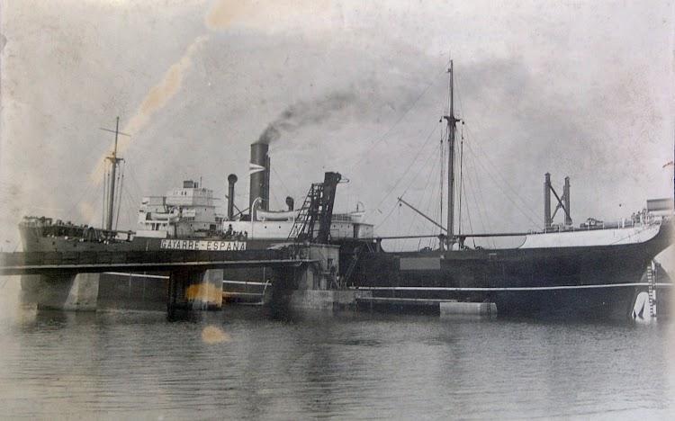 Foto 3. El GAYARRE a la carga en un puerto indeterminado. Ca. 19141. Foto remitida por Pedro Blanco Alvarez. Nuestro agradecimiento.JPG