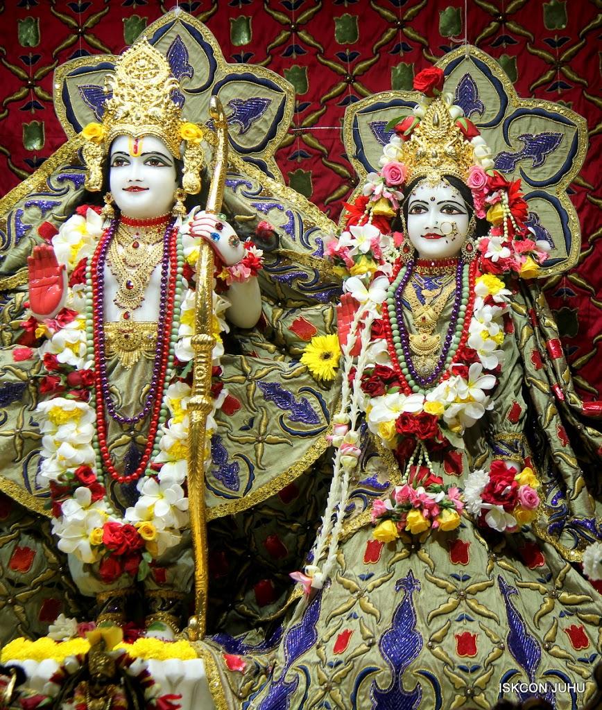ISKCON Juhu Sringar Deity Darshan on 24th June 2016 (26)