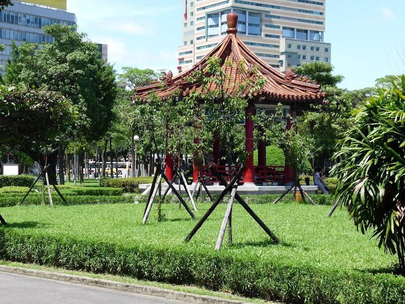 TAIWAN.Taipei.Peace park 228 - P1110502.JPG