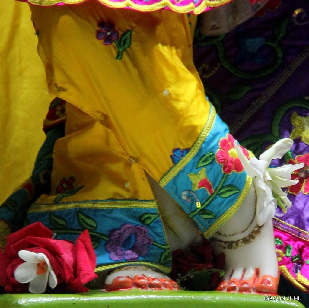ISKCON Juhu Mangal Deity Darshan on 31st July 2016 (27)