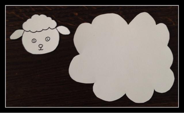 Mon joli petit bureau un mouton au milieu des tr fles d 39 irlande voyageons ludique 11 - Mon chat me colle plus que d habitude ...