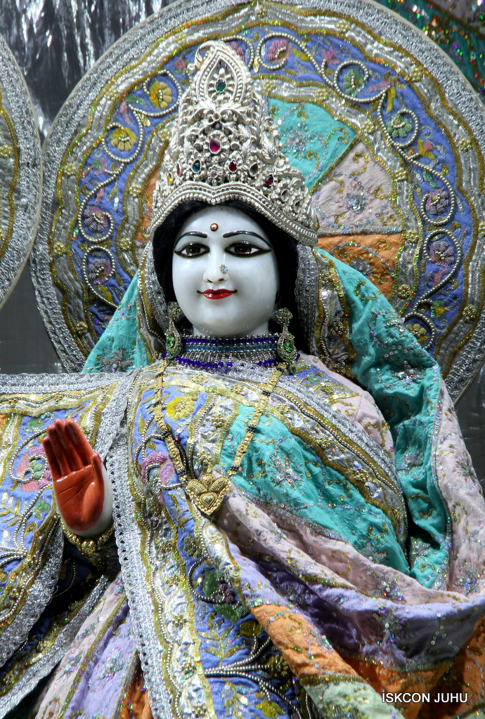 ISKCON Juhu Mangal Deity Darshan on 20th Oct 2016 (22)