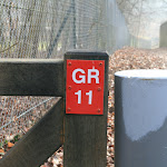 Parc de Sylvie : entrée du parc et borne GR11