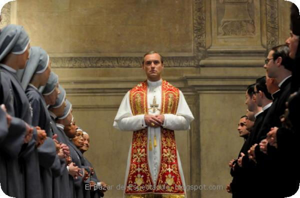 FOX Premium - The Young Pope - Jude Law es Pio XIII (b).jpeg