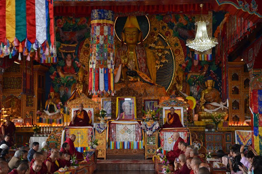 Enthronement of Khenrinpoche Geshe Chonyi, Kopan Monastery, December 2011. Photo courtesy of Amitabha Buddhist Centre.