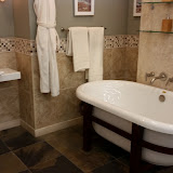 Bathrooms - 20150825_114428.jpg