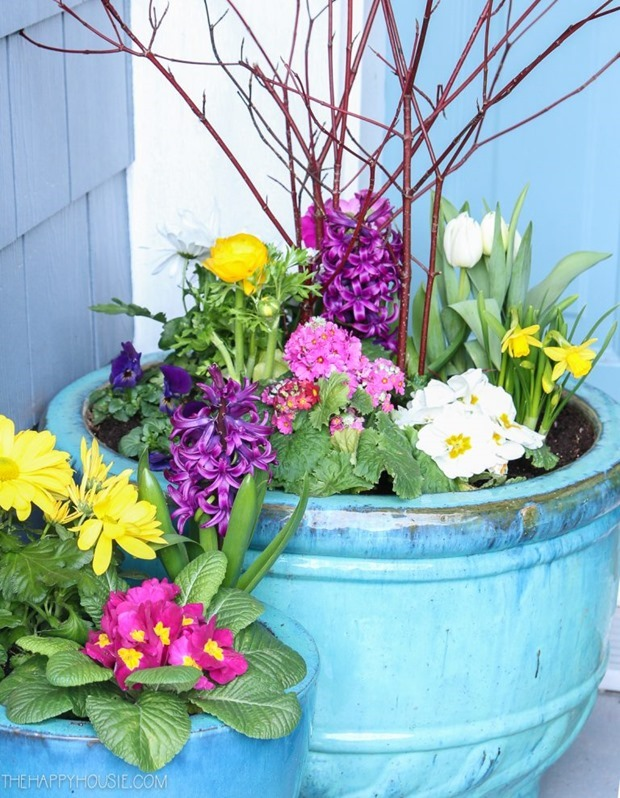 simple-DIY-spring-planter-spring-pots-for-styling-your-small-front-porch-for-spring-15-768x989