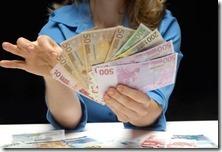 Stop stipendi in contanti