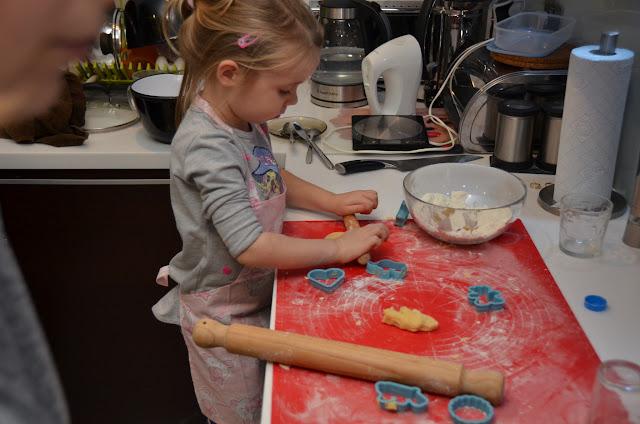 Kamyczki - Pieczemy ciasteczka z mama i babcia