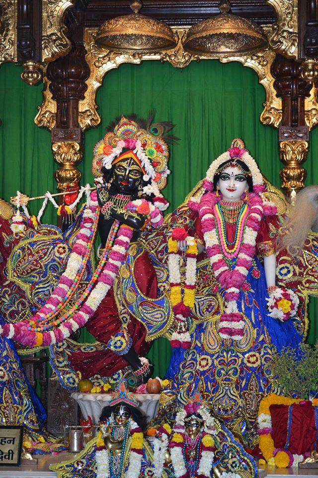 ISKCON Ujjain Deity Darshan 30 Mar 2016  (13)