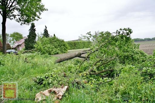 Noodweer zorgt voor ravage in Overloon 10-05-2012 (73).JPG