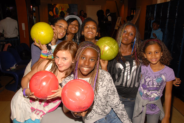 KiKi Shepards 8th Annual Celebrity Bowling Challenge (2011) - DSC_0603.JPG