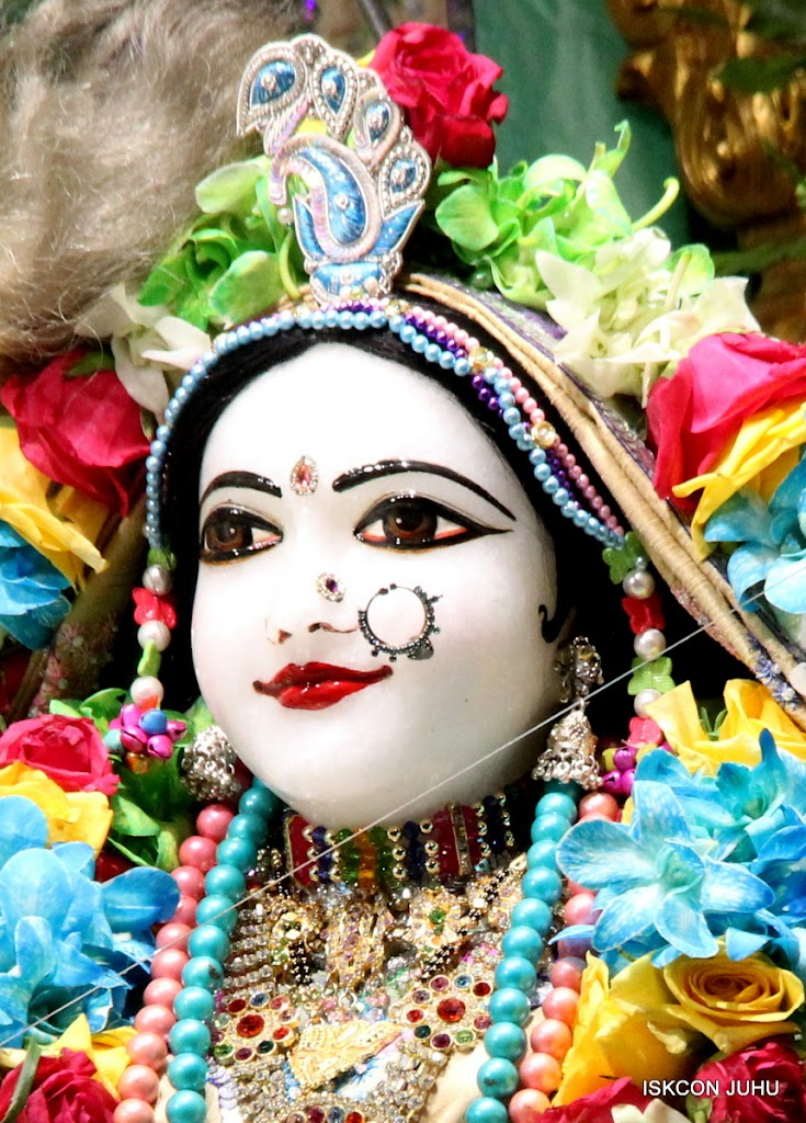 ISKCON Juhu Sringar Deity Darshan on 26th Aug 2016 (19)