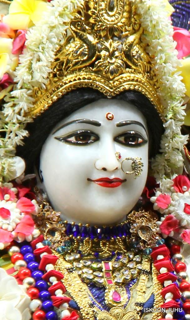 ISKCON Juhu Sringar Deity Darshan on 24th June 2016 (3)