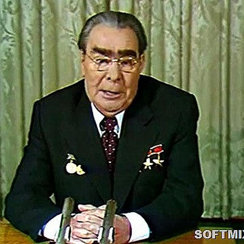 Как поздравляли народ советские и российские лидеры